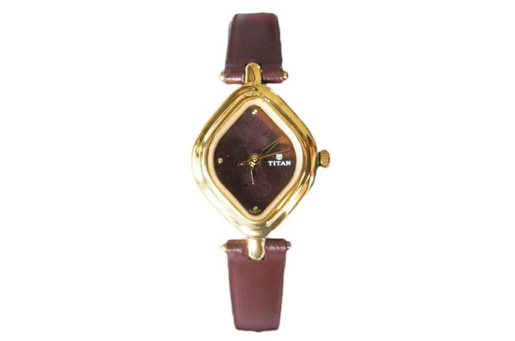 Titan Ladies Analog Watch - NF2536YL02